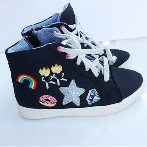 Girls embroidered patch stevies high top sneakers